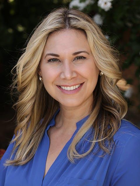 Amy Alpeza