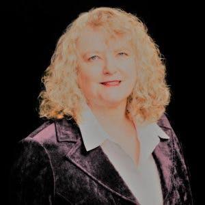 Barbarah Tinskamper real estate agent headshot