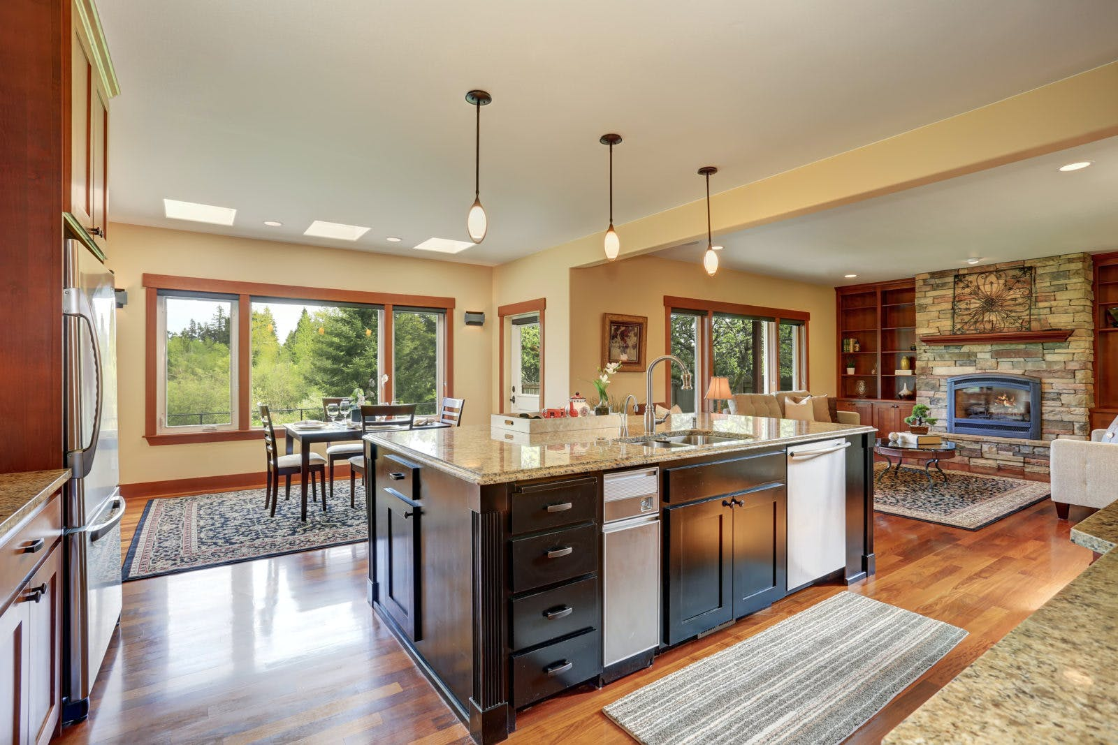 Hodges Real Estate Services | When you work with Hodges, it