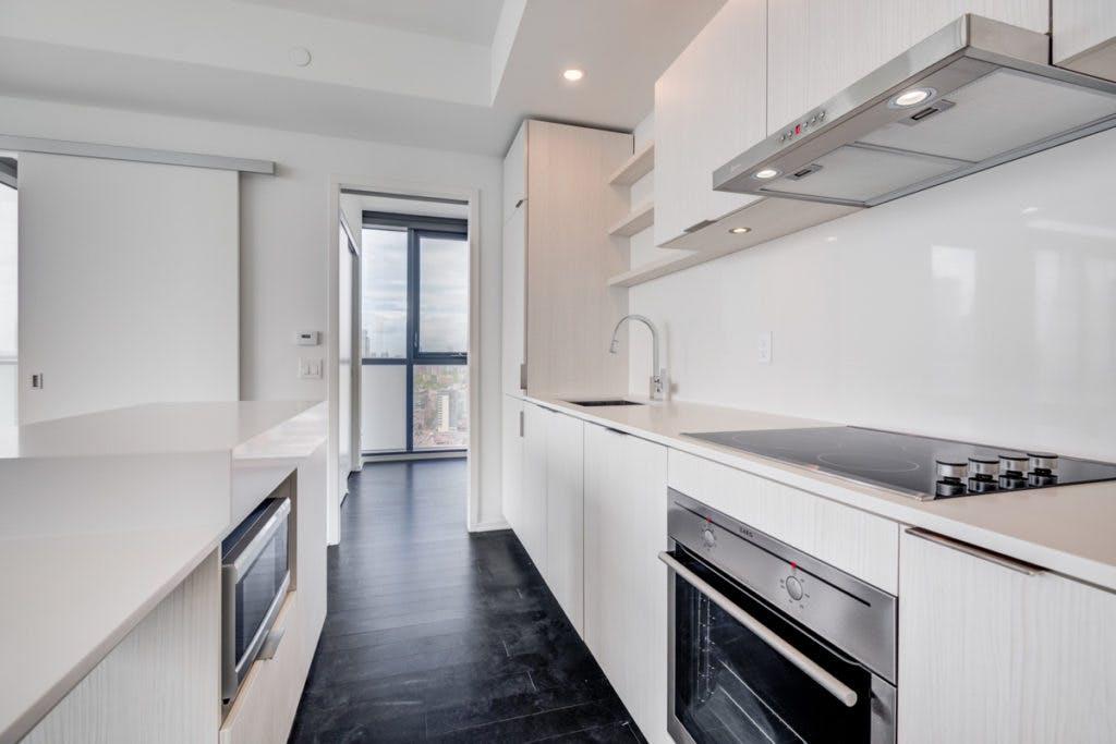 16 Bonnycastle kitchen cabinets